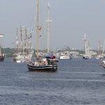 Auslaufen an der Hanse Seil in Rostock