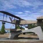 Denkmal erinnert an den Flug von Lissabon nach Rio de Janeiro im Jahr 1922.